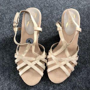 Cream/Beige Sandals